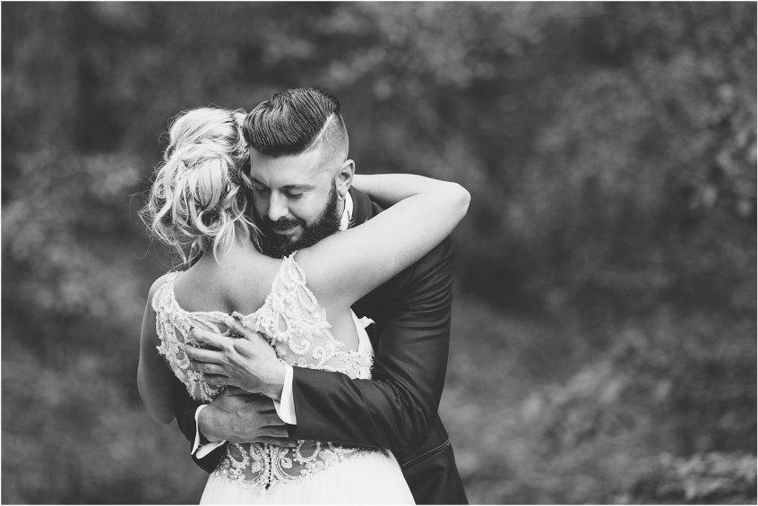 jessica_ryan_photography_virginia_wedding_photographer_candid_authentic_hampton_roads_wedding_photography_marina_shores_yacht_club_first_landing_state_park_woodland_theme_garden_3281