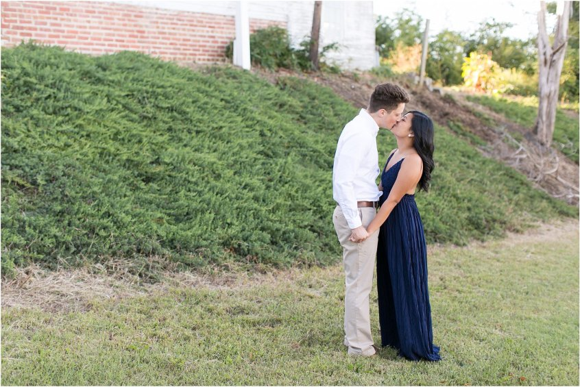 jessica_ryan_photography_virginia_smithfield_historical_downtown_engagement_portraits_candid_authentic_3714