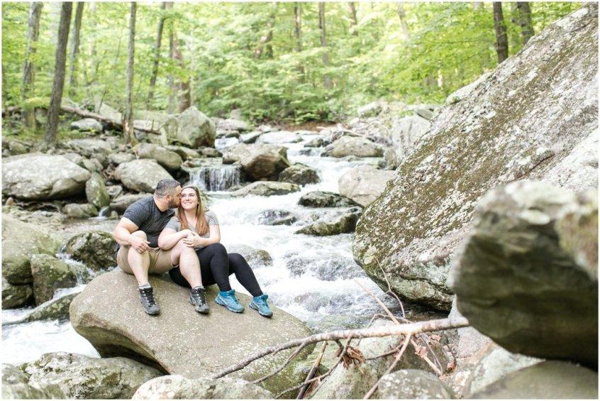 Jessica_ryan_photography_virginia_adventure_sessions_blue_ridge_mountains_couple_1193