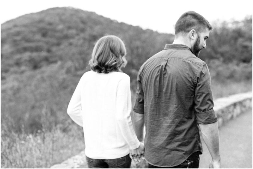 skyline drive virginia adventurous couple portraits hiking, jessica ryan photography