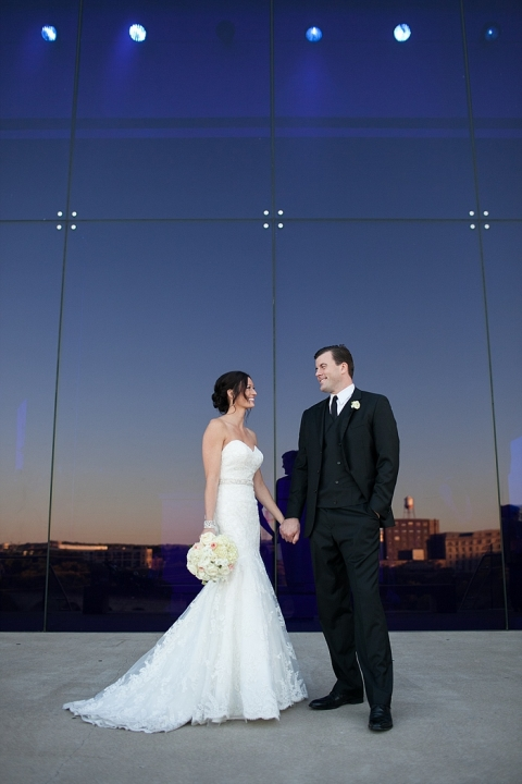 Guthrie Theater Wedding  Jessica Smith Photography