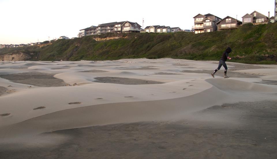 jessie-in-sand