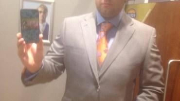 Kupując garnitur upewnij się, że w każdej sytuacji będziesz wyglądać dobrze!