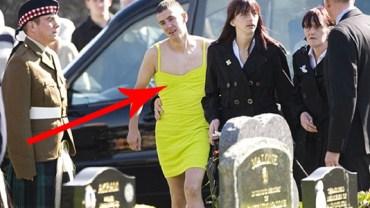Przyszedł w żółtej sukience na pogrzeb! Jak się dowiesz dlaczego, wzruszysz się do łez...