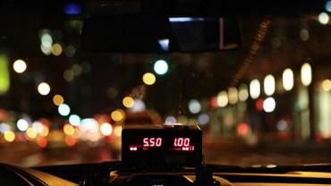 Taksówkarz nie spodziewał się, że ten kurs odmieni jego życie... Zobacz, co się wydarzyło!