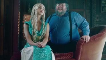 G.R.R. Martin śpiewa o Westeros w rytmie  hitu Taylor Swift… zobacz koniecznie, co autor ma na myśli :)