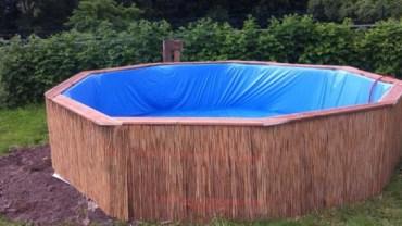 Nie musicie wydawać dużo pieniędzy na własny ogrodowy basen. Wystarczy, że zrobicie to w taki sposób, jak ten facet