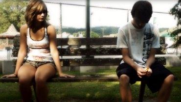 Ten biedny chłopak został odrzucony przez bogatą dziewczynę. Po 10 latach spotkali się ponownie…
