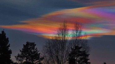 Surrealistyczne chmury nad Irlandią sprawiły, że tysiące ludzi spojrzało w niebo. Ciebie też urzeknie ten widok!