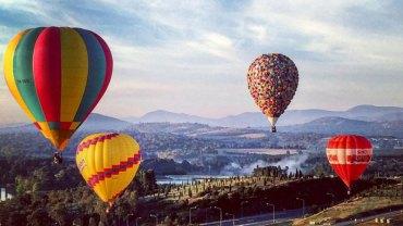 """Odważny i pomysłowy pilot zbudował nietypowy balon, inspirowany bajką """"Odlot"""". Efekt jego pracy jest zachwycający!"""