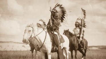 Zobaczcie unikalne zdjęcia zrobione ponad 100 lat temu. Tak wyglądali prawdziwi Indianie i ich życie!