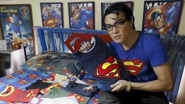Mężczyzna spędził 18 lat w szpitalu na różnych operacjach! Nie, nie jest śmiertelnie chory, ale po prostu chce wyglądać jak Superman!