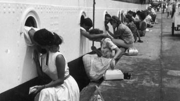 Historyczne fotografie ukazujące miłość w czasie wojny. Można się wzruszyć…