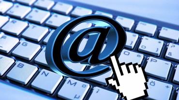 """Słowo """"e-mail"""" ma już 34 lata. Czy wiecie, że wymyślił je 14-letni chłopiec z Indii?"""