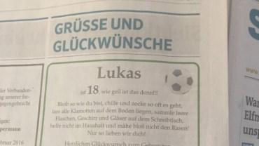 Rodzice zamieścili w gazecie życzenia urodzinowe dla 18-letniego syna. Chciałabym zobaczyć jego minę, gdy to czytał!