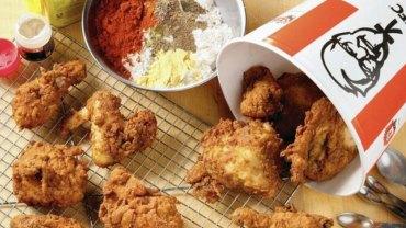 Siostrzeniec założyciela KFC nieopatrznie zdradził najcenniejszy sekretny firmy – przepis na słynną panierkę do kurczaków!