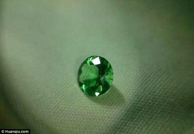 fake-emerald2