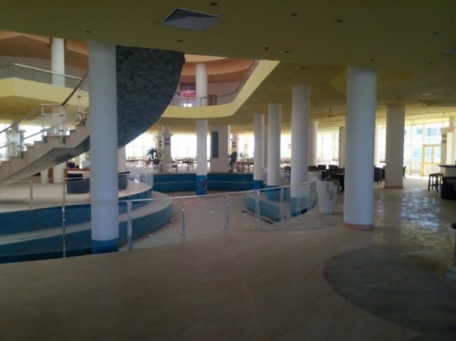 deserted-complex-raouf-hotels-11