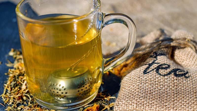 5 szybkich napojów, które przyspieszą twój metabolizm i pomogą zejść z wagi