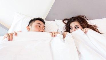 Oto 9 obrzydliwych zachowań, które świadczą o tym, że ludzie w związku są sobie totalnie oddani i przełamali wszelkie bariery intymności