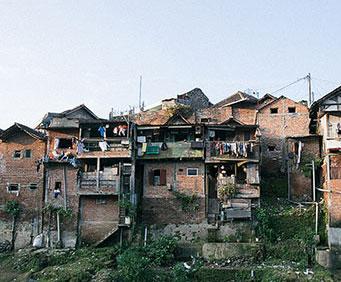 Mieli dość życia w obskurnych i brudnych slumsach. Chwycili więc za pędzle, a efekt jaki osiągnęli, rzucił wszystkich na kolana