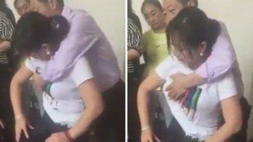Do tego Chińczyka kobiety ustawiają się w kolejce. Mężczyzna twierdzi, że ma moc uzdrawiania i potrafi wróżyć z… piersi! Wygląda to naprawdę brutalnie