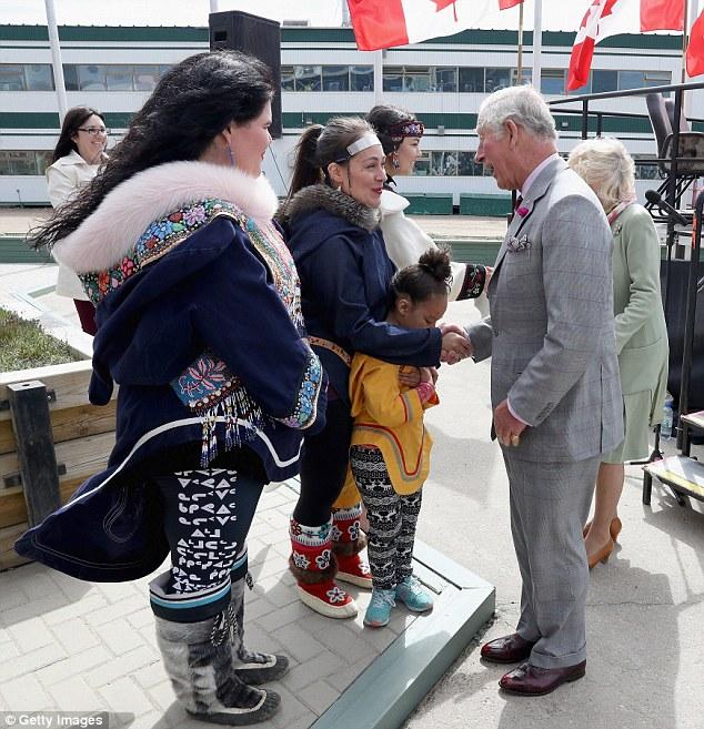 Nawet para książęca nie mogła powstrzymać się od śmiechu, gdy usłyszała innuicki tradycyjny śpiew. A ty dasz radę?