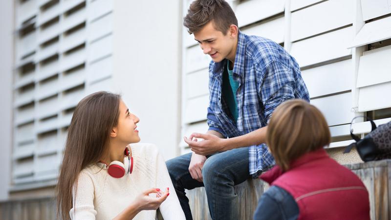6 zachowań, które uczynią cię bardziej atrakcyjnym i lubianym przez innych