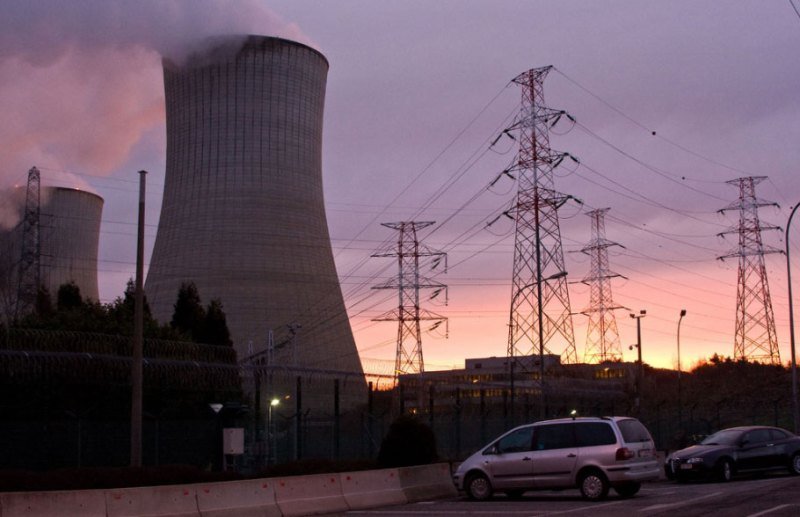 Failure in one of Europe's nuclear power plants? Residents receive iodine tablets. Prevention, panic or masking the effects of a catastrophe? 3