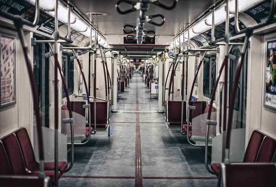 Straciła przytomność w pociągu. Kiedy się obudziła, nie mogła uwierzyć, że ktoś zachował się z ten sposób!