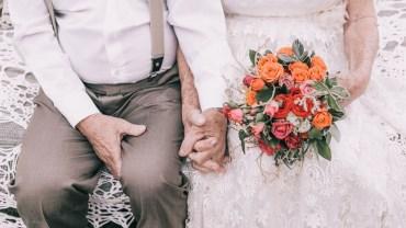 W dniu ślubu nie mieli fotografa, ale w 60 rocznicę zdecydowali, że czas na ślubną fotografię