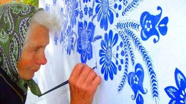 87-letnia staruszka zachwyciła świat bajecznymi malowidłami. Spod jej dłoni wychodzą prawdziwe dzieła sztuki!