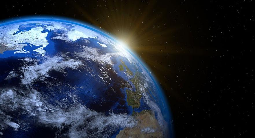 Na konferencji w Pekinie Stephen Hawking przedstawił swoją wizję przyszłości ludzkości. Niestety jest bardziej niż ponura....