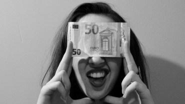 6 błędów, których powinna unikać każda kobieta, gdy chce być niezależna finansowo