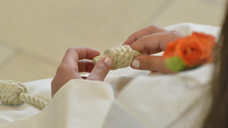 Złóż życzenia z okazji Pierwszej Komunii Świętej. Wybieraj spośród najciekawszych tekstów i dedykacji