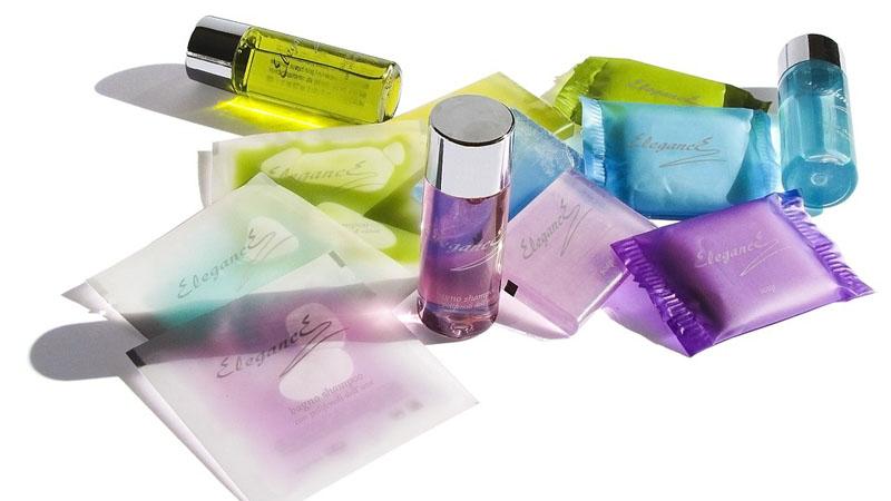 9 sposobów na użycie kosmetyków, o których nie wspominają producenci. Sprytnie korzystaj z tego, co masz