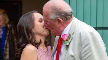 73-letni burmistrz żeni się z młodziutką Filipinką. Ludzie plotkują, że nie chodzi tu o miłość!