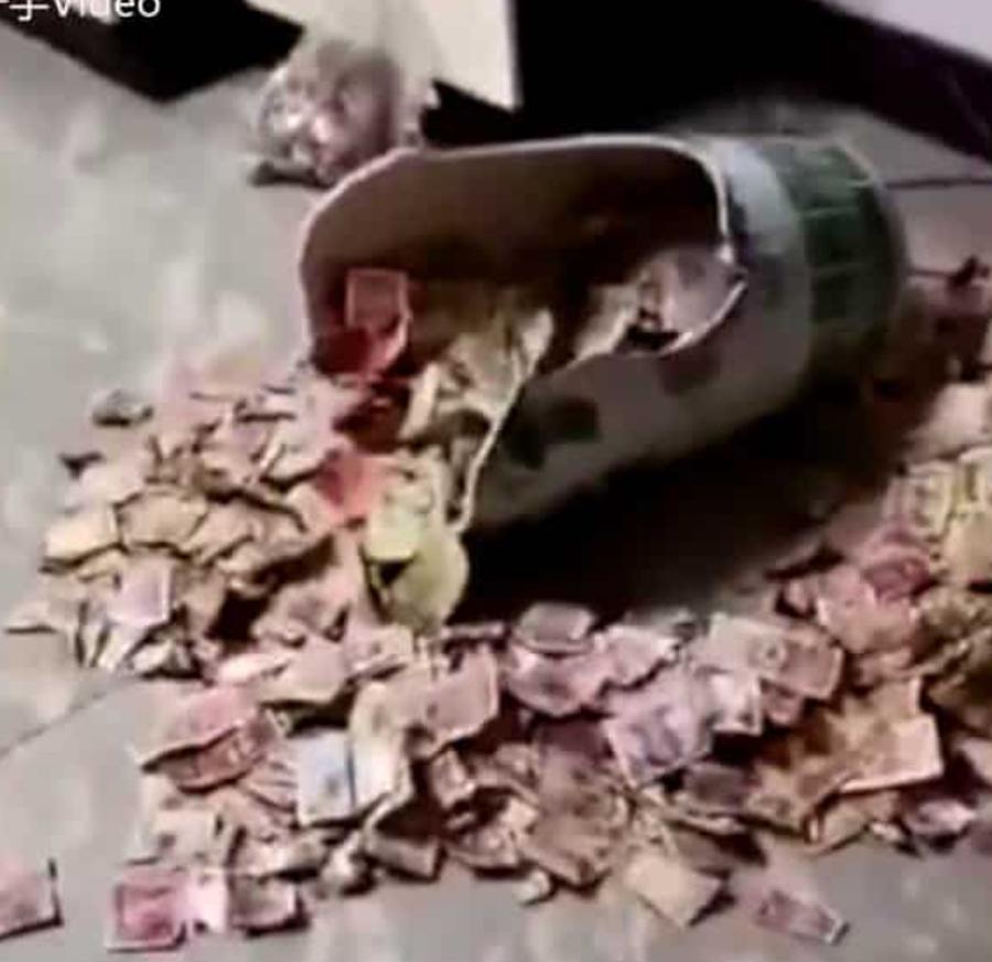 Dziecko rozbiło duży wazon, który stał przez 13 lat w salonie! Gdy jego matka to zobaczyła, natychmiast wezwała męża