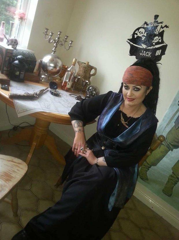 """Amanda wyszła za mąż za """"300-letniego ducha pirata"""". Potrzebowała egzorcyzmów, gdy postanowiła z nim zerwać"""