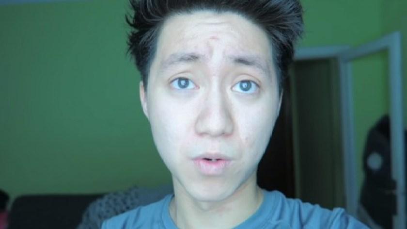 YouTuber podał bezdomnemu ciasteczka wypełnione pastą do zębów! Jego głupiego tłumaczenia nie da się słuchać