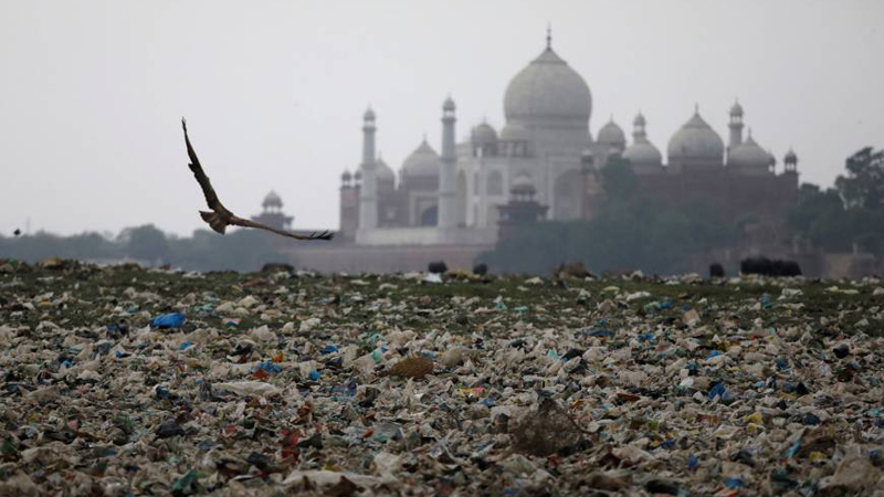 Mount Everest wstydu. To wysypisko rośnie w oczach i niedługo będzie wyższe od Tadź Mahal!