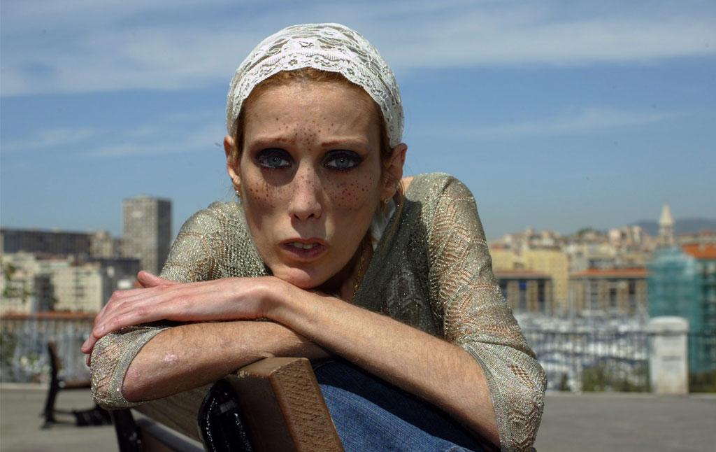 Isabelle na naszych oczach walczyła z anoreksją. Po latach wyszło na jaw, kto był naprawdę chory