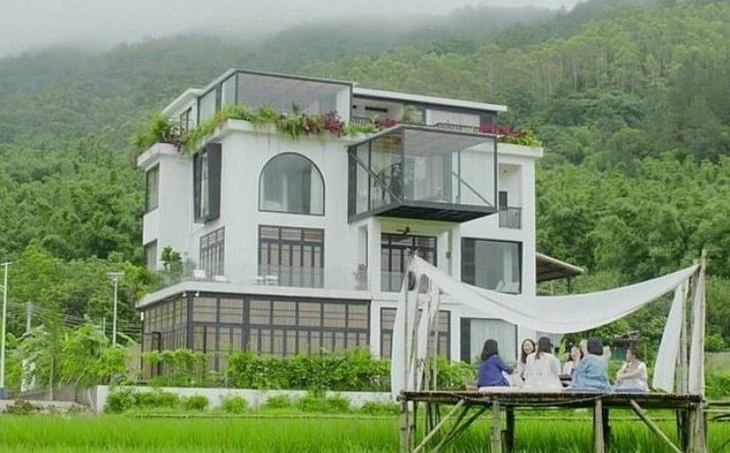 7 kobiet zmieniło niedokończony budynek w luksusową rezydencję! Nie chciały na starość trafić do domu starców