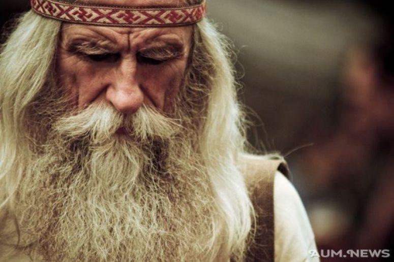 Przykazania 104-letniego mędrca na długie i radosne życie. Uderzają prostotą i mądrością!