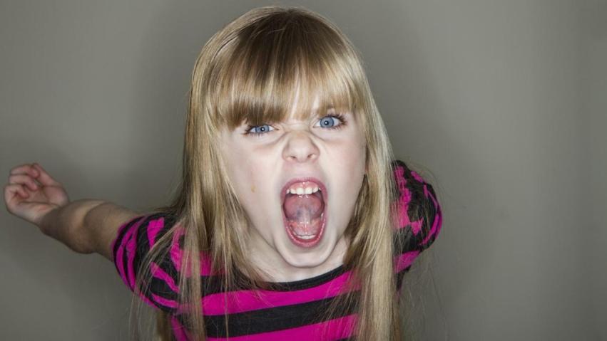 Potworny klaun straszy dzieci na zlecenie rodziców. Chcą, aby już nie sprawiały problemów wychowawczych