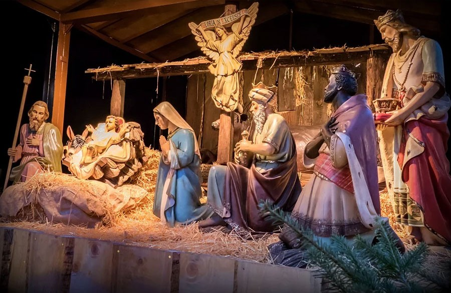 Maryja, Józef i mały Jezus zamknięci w klatkach! Oto szopka na miarę dzisiejszych czasów