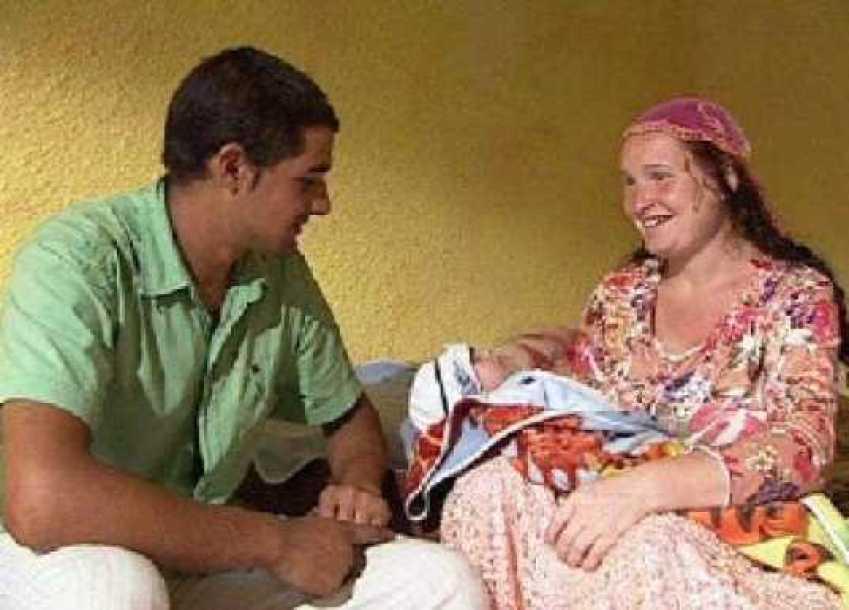 Ta Cyganka została babcią w wieku 23 lat! Zaszła w ciążę mając 13 lat, jej córka urodziła mając 11