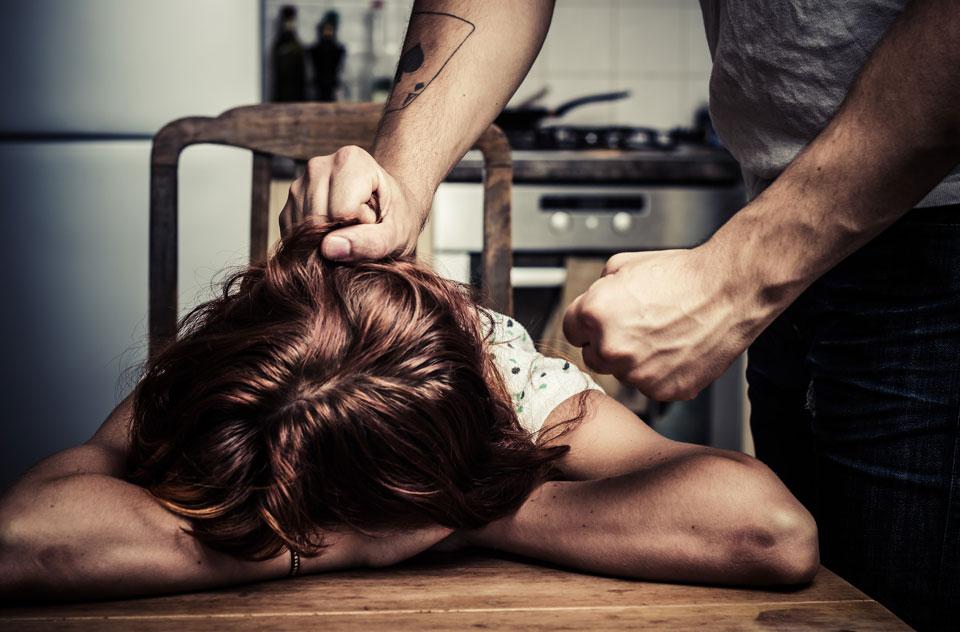 """Chciała odejść od męża oprawcy. Gdy się o tym dowiedział, był bezlitosny. Pokazał, że """"ma wszystko pod kontrolą"""""""