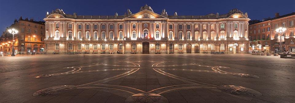 Promenade nocturne - identifiez le monument, la ville et le pays - Page 5 Toulouse