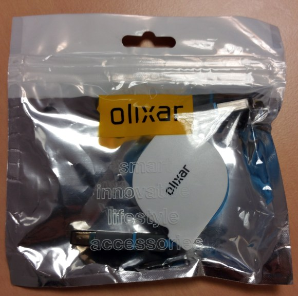 Sachet du câble de charge rétractable Olixar Micro USB & Lightning